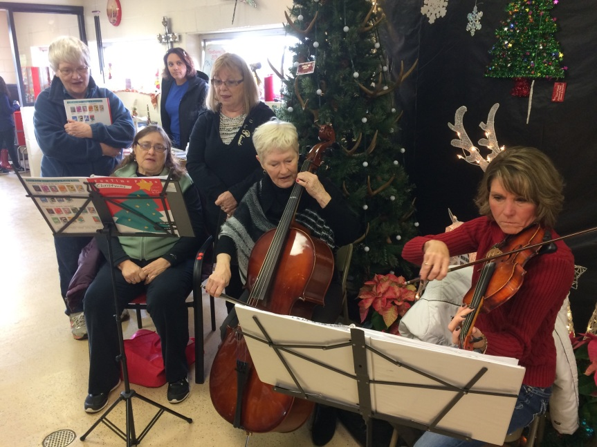 our-lm-group-playing-at-pauls-for-salvation-army-kettle