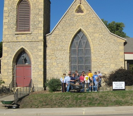 garden-crew-in-front-of-church-cropped